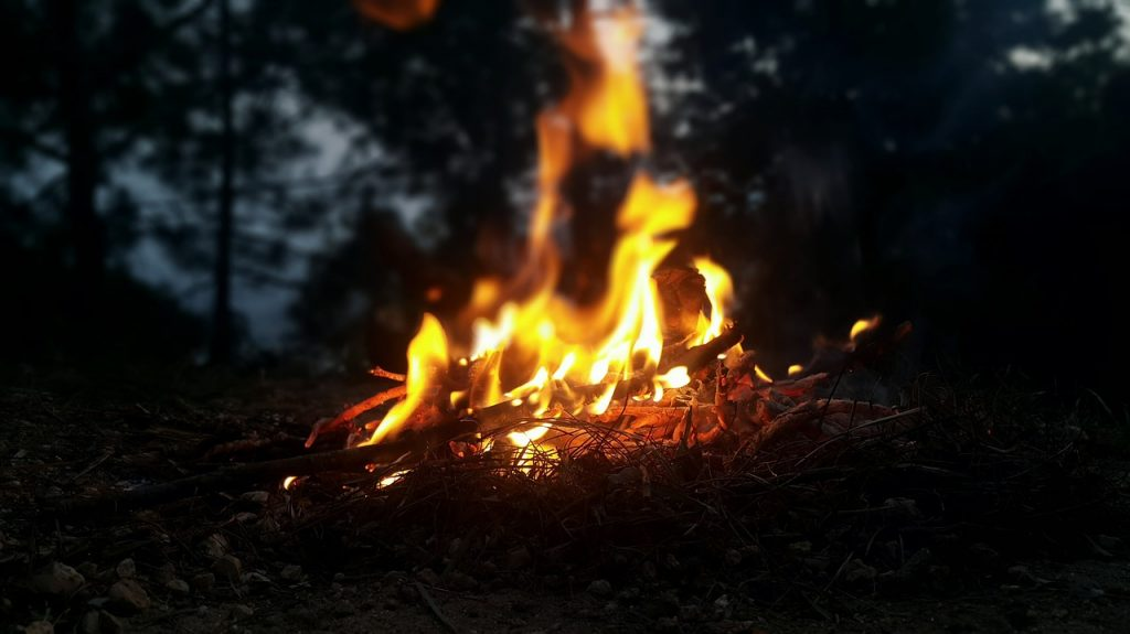ideal lost person behaviour - a campfire