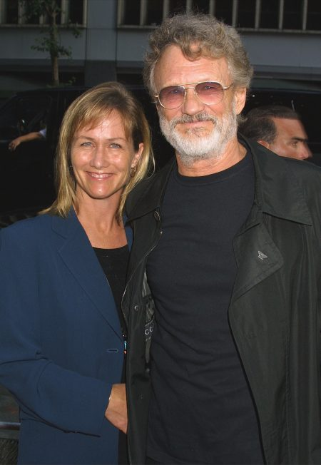 Kris Kristofferson and wife Lisa at Planet of the Apes premiere 2001