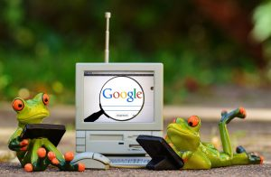 ceramic frogs doing Google search
